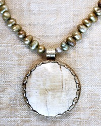 Natural Ocean Meadow Pendant Pearl Necklace