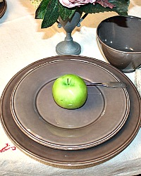 Set of 4 Provence Earthenware Salad/Dessert Plates Poivre