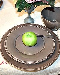 Set of 4 Provence Earthenware Salad/Dessert Plates Poivre