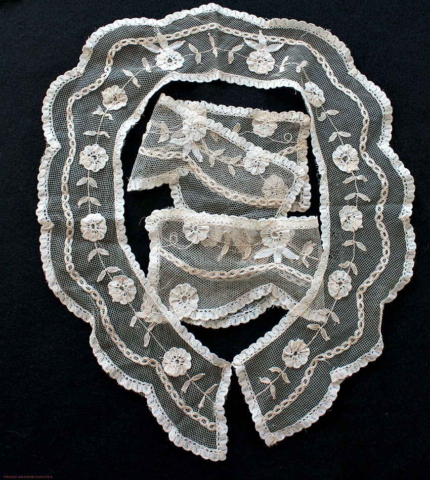 Antique Hand Princess Lace Collar and Cuff Set