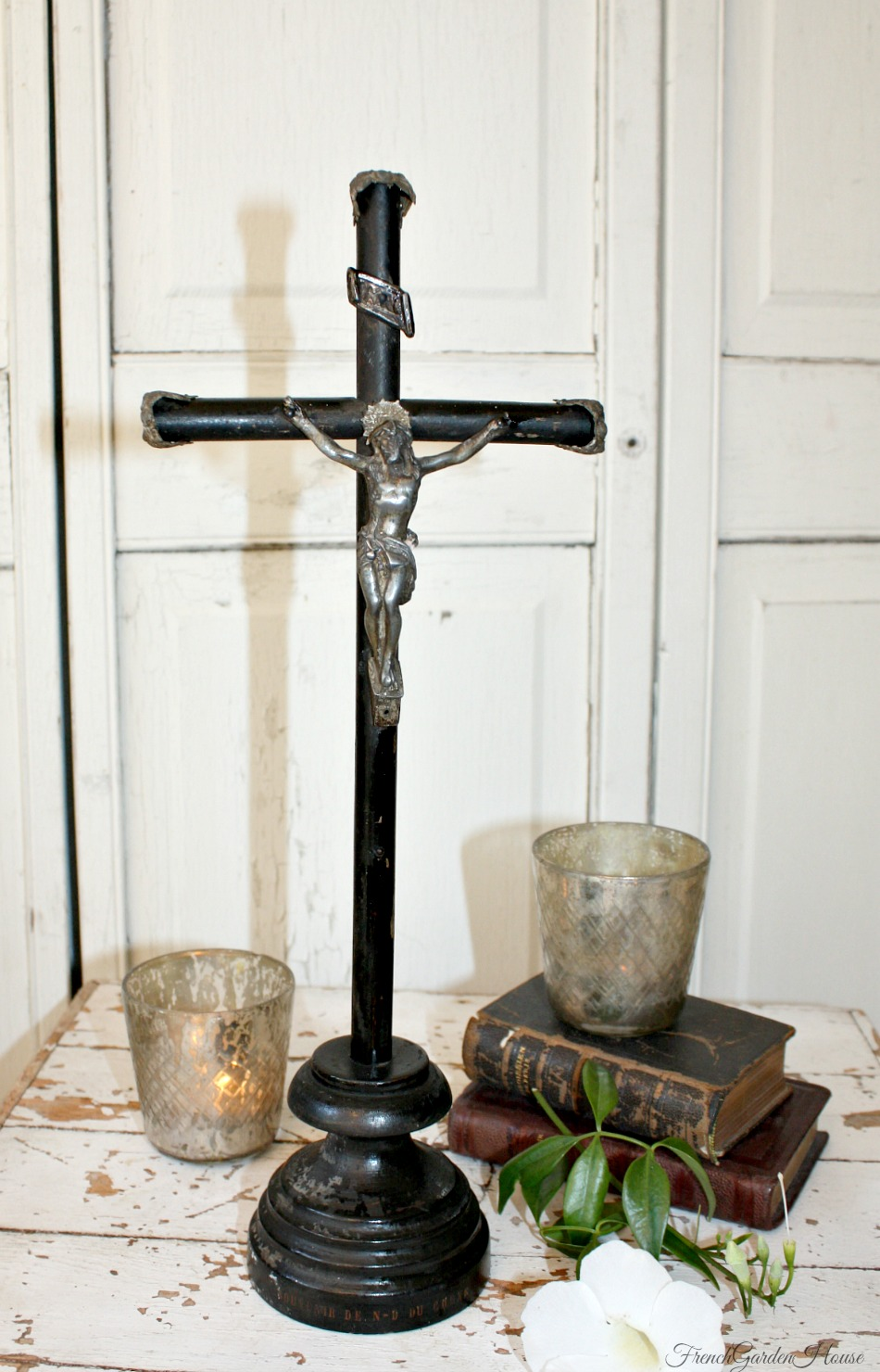 Antique French Large Mid 1800's Ebonised Wood Crucifix Souvenir