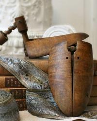 Antique Gentlemen's Shoe Form Wood Screw Stretchers