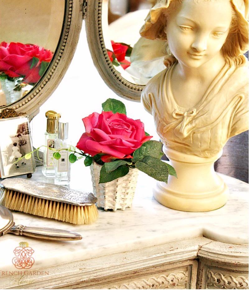 Parisian Flower Atelier Boutiques des Fleurs Single Rose