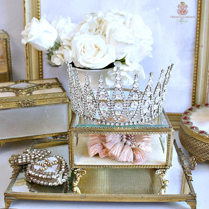 Exceptional Vintage Rhinestone Crown Tiara
