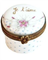 Vintage French Limoges Hand Painted Floral Miniature Je T'aime Box