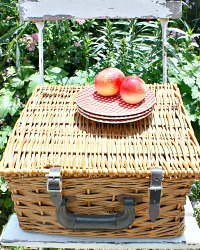 Vintage Picnic Storage Basket with Lid Leather Straps