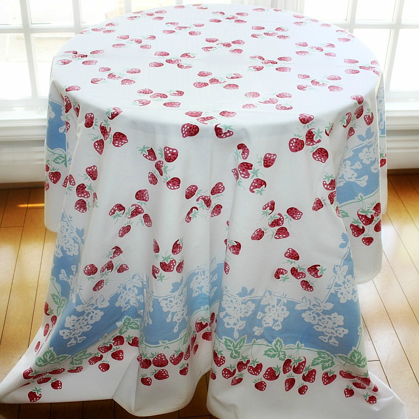 Vintage Strawberry Tablecloth Light Blue, White and Red and 6 Napkins