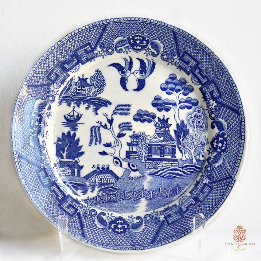 Vintage Chinoiserie Blue Willow Plates Large Set Of 4