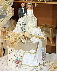 Vintage Cake Topper Wedding Keepsake Memory Cake Box Roses