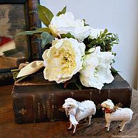 Winter White Coco Small Peony Bouquet