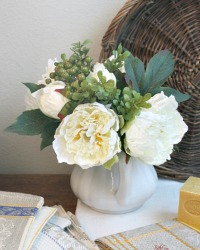 Winter White Coco Small Peony Bouquet
