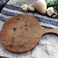 Petite Antique Round Cutting Board