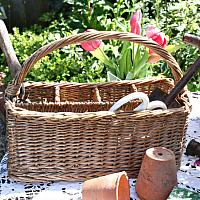 Country Style Hand Woven Wicker Carrier Basket