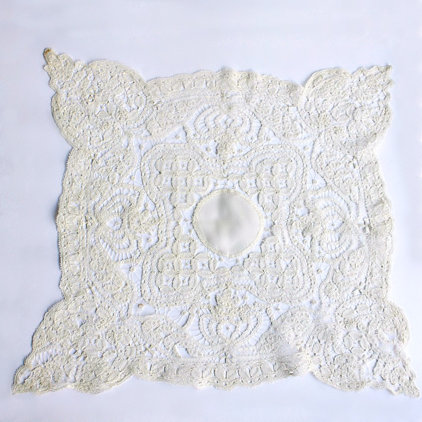 Antique Maltese Silk Bobbin Lace Handkerchief
