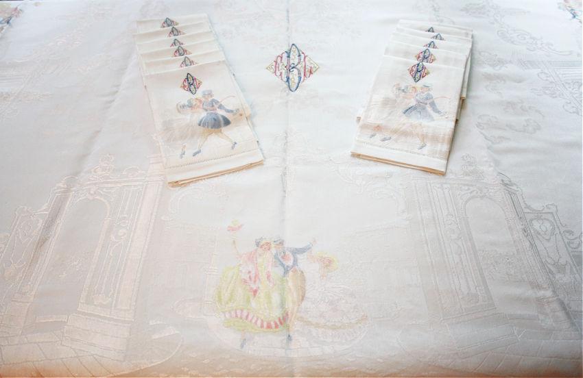 Exceptional Dancers Damask Pastel Monogram Tablecloth And 12 Napkin Set