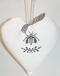 French Country Hand Made Antique Linen Lavender Sachet Bee Heart