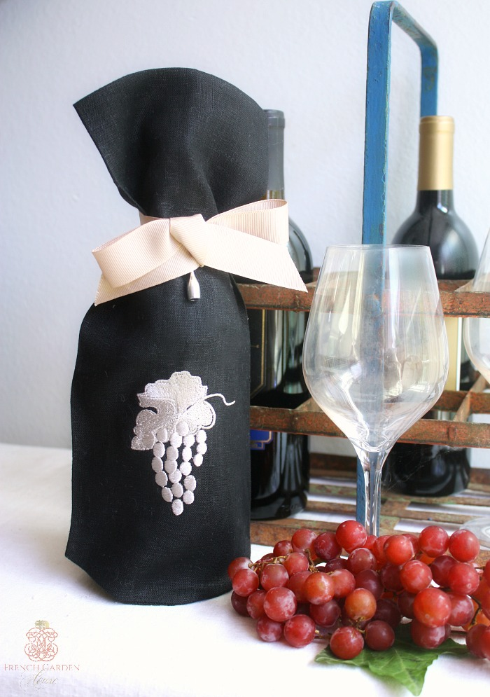 Black Linen Wine Gift Bag with Embroidered Grapes