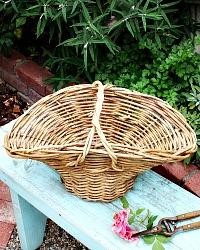 Vintage Willow Garden Gathering Basket