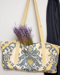Juliette Provence Gold et Bleu Ikat Travel Bag