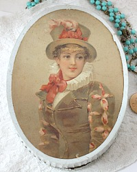 Antique French Color Lithograph Bonbon Box