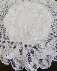 Linen and Cherub Lace Centerpiece Mats Set of 2