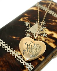 Estate Antique Victorian Double Sided Heart Monogrammed Locket Gold
