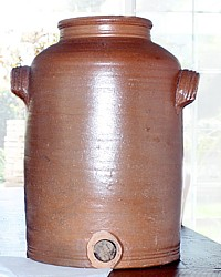 Antique French Country Vinegar Pot en Gres