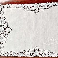 Vintage White Irish Linen with Lace Placemats set of 4