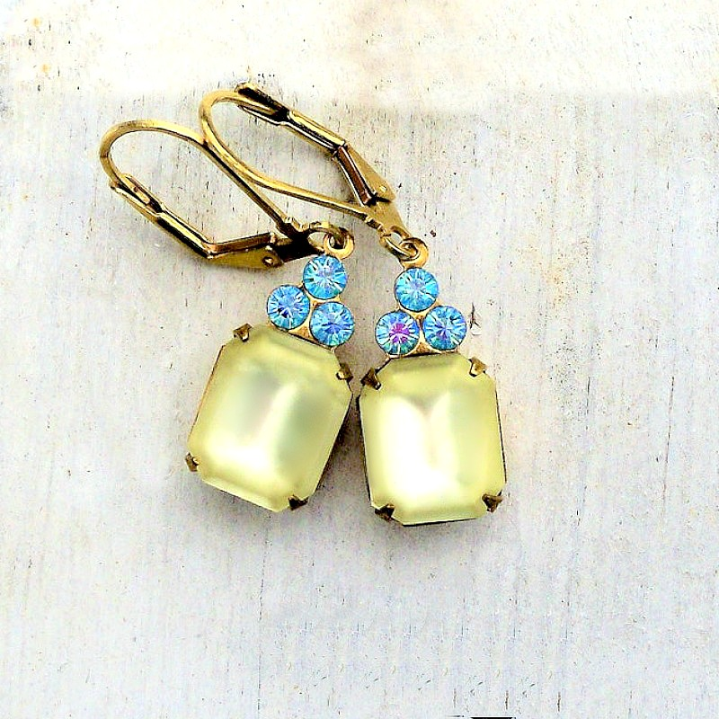 Frosted Jonquil Earrings