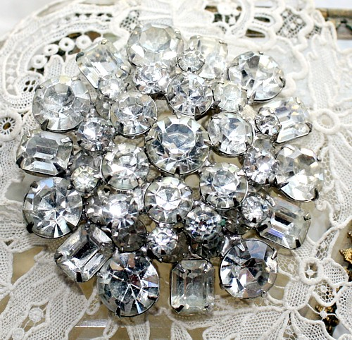 Exceptional Vintage Round Domed Rhinestone Pin Brooch