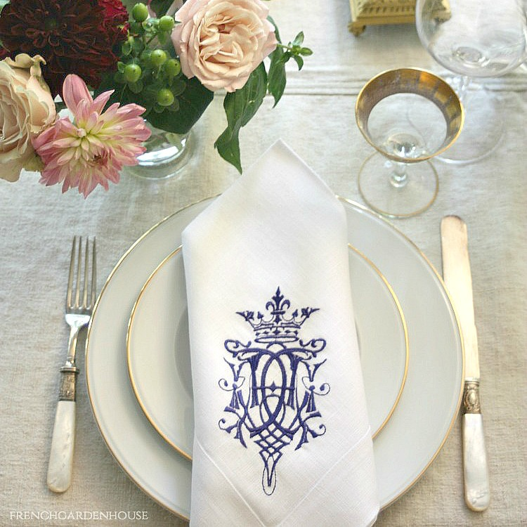 European Luxury Linen Royal Crest Embroidered Napkin White Navy Blue Set of 4