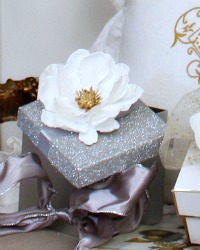 Southern White Anemone Flower with Clips Set of 4